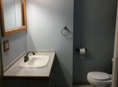 2-Otter-Creek-Place-bathroom-2