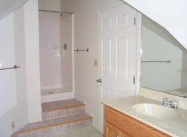 10-prospect-5-front-bathroom