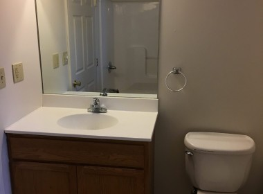 10-prospect-terrace-bathroom