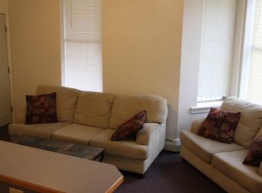 10-prospect-terrace-living-room