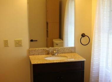 126-1_2-tompkins-bathroom