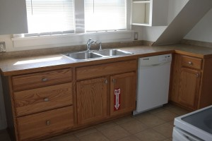 Student Apartment Rentals in Cortland 14-3 Harrington Kitchen