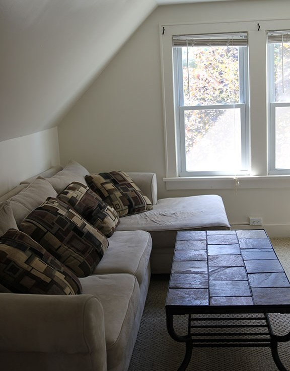 Student Apartment Rentals in Cortland 14-3 Harrington Living Room