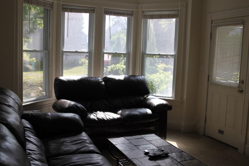 14-harrington-living-room