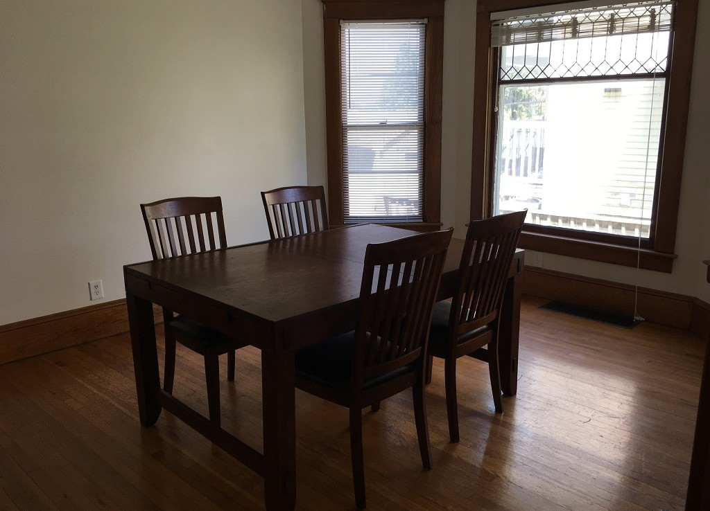 Student Apartment Rentals in Cortland 20 Harrington St Dining Room