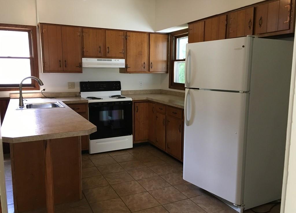 Student Apartment Rentals in Cortland 20 Harrington St Kitchen