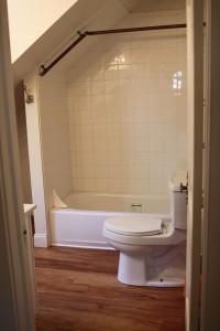 Student Apartment Rentals in Cortland 20 Stevenson St Bathroom