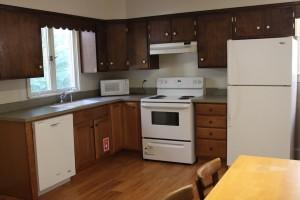 Student Apartment Rentals in Cortland 20 Stevenson St Kitchen