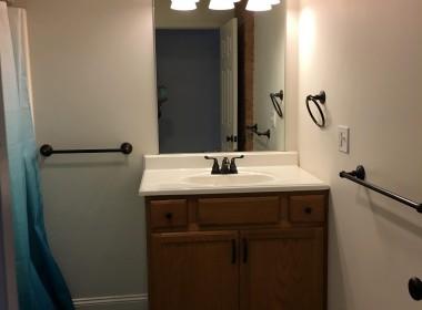 36-2-Clayton-Ave-bathroom