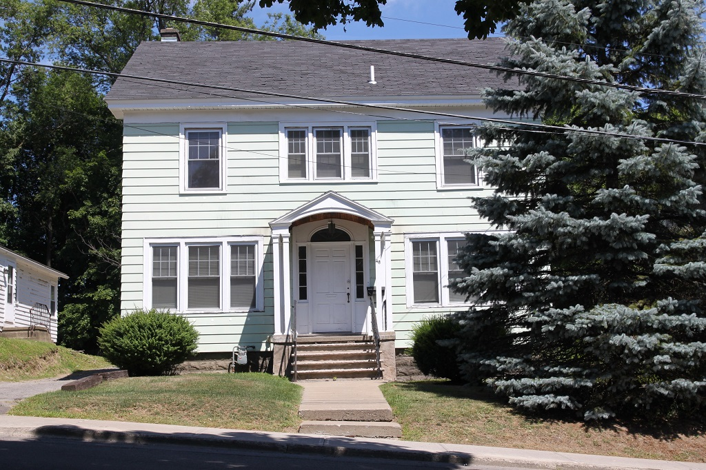46 Clayton Ave. student apartment rentals near SUNY Cortland