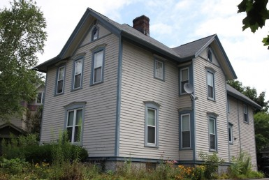 student apartment rentals near SUNY Cortland 5 Owego St.