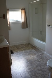 Student Apartments for Rent in Cortland Groton 60 Groton Bathroom