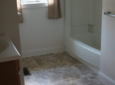 60-groton-bathroom
