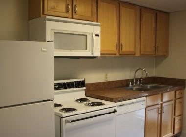 62A-groton-kitchen