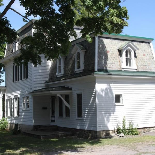 73-1/2 Tompkins St. student apartment rentals near SUNY Cortland