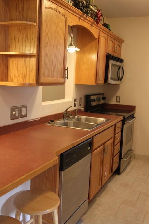 73-1_2-tompkins-kitchen