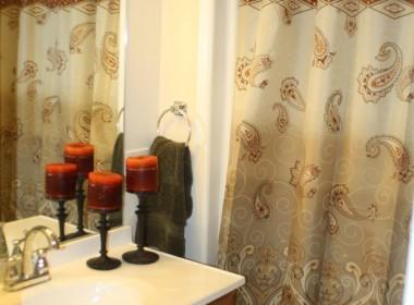 92-groton-ave-first-floor-bathroom
